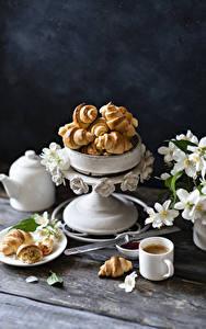 Картинки Кофе Круассан Доски Чашке Пища