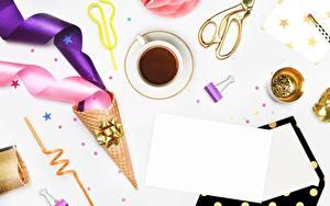 Обои Кофе Лист бумаги Чашке Ленточка Вафельный рожок Шаблон поздравительной открытки