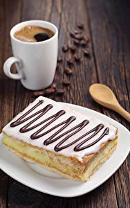 Картинка Кофе Сладкая еда Пирожное Доски Чашка Зерно Пища