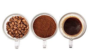 Фотографии Кофе Белым фоном Чашка Три Зерна Порошке Продукты питания