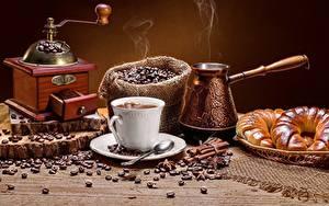 Фотографии Кофе Кофемолка Зерно Чашке Паром Турка