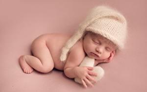 Обои Цветной фон В шапке Младенцы Сон ребёнок