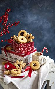 Фотографии Печенье Кофе Капучино Чашке Коробки Еда