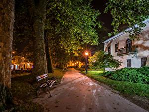 Фотографии Хорватия Здания Загреб Улица Ночь Уличные фонари Скамья Ствол дерева Samobor город