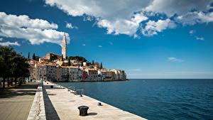 Фото Хорватия Море Здания Набережная Облака Rovinj город