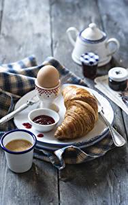 Обои Круассан Кофе Повидло Доски Завтрак Яйцами Тарелке Стакан Еда