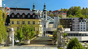 Фотография Чехия Здания Скульптуры Забор Karlovy Vary город