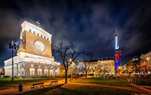Фотографии Чехия Прага Дома Храмы Ночью Уличные фонари Скамья Города