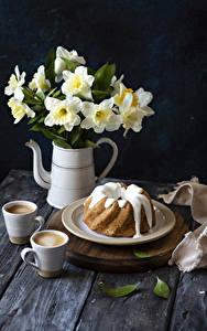 Фотографии Нарциссы Кекс Кофе Капучино Чашка Тарелке Пища Цветы