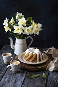 Фотографии Нарциссы Кекс Кофе Капучино Чашка Тарелка Цветы