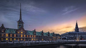 Фотография Дания Копенгаген Замки Дома Вечер Речка Christiansborg Castle-danish parliament Города