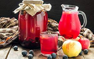 Фотографии Напиток Яблоки Черника Кувшины Банки Стакана Продукты питания
