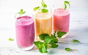 Обои Напитки Коктейль Листва Стакан Трое 3 Продукты питания