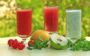 Фото Напиток Сок Помидоры Яблоки Лимоны Стакане Втроем Пища