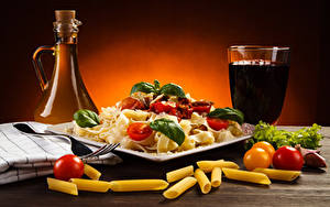 Картинки Напиток Овощи Помидоры Бутылки Стакан Макароны Пища