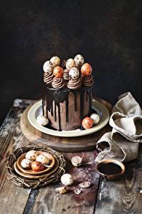 Картинка Пасха Сладкая еда Торты Шоколад Яйцо Пища