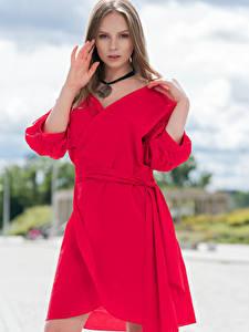 Фото Платье Красная Позирует Руки Смотрят Emilia Piotrowska Девушки
