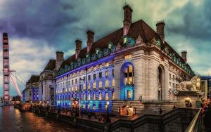 Фото Англия Вечер Здания Речка Причалы Скульптуры Лондон Уличные фонари