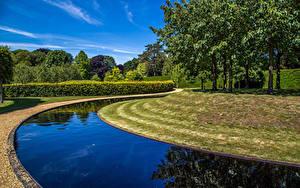 Фото Англия Парк Водный канал Дерево Кустов Дизайна Ascott House Gardens Buckinghamshire