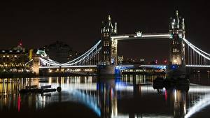 Обои для рабочего стола Англия Речка Мост Лондоне Ночные Tower bridge, Thames город
