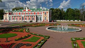 Фото Эстония Таллин Здания Фонтаны Ландшафтный дизайн Музей Kadriorg Art Museum Города
