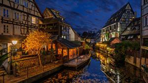 Фотографии Вечер Франция Здания Водный канал Уличные фонари Colmar