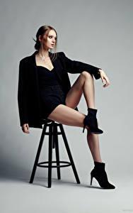 Обои для рабочего стола Evgeniy Bulatov Фотомодель Стулья Сидящие Ноги Шорты Пиджак Eva Alekseenko молодые женщины