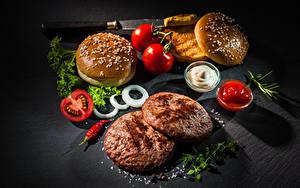 Обои Фастфуд Гамбургер Булочки Котлеты Томаты Кетчуп Солью