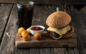 Обои Быстрое питание Гамбургер Выпечка Доски Разделочной доске Стакан Кетчупа Еда