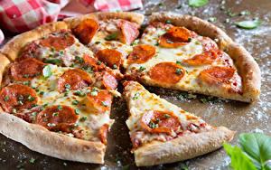 Фотографии Фастфуд Пицца Крупным планом Колбаса Часть Продукты питания