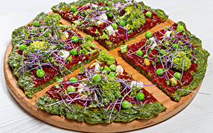Фото Фастфуд Пицца Овощи Брокколи Горох Разделочной доске Кетчуп Еда