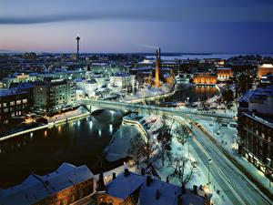 Картинки Финляндия Здания Речка Мосты Зимние Снега Сверху Tampere, province of Pirkanmaa город