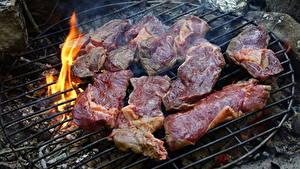 Обои для рабочего стола Огонь Мясные продукты Часть Нарезанные продукты Костер Grill Пища