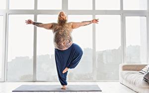 Фотографии Фитнес Мужчины Йога Татуировки Жирный спортивные