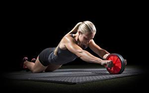 Фотография Фитнес Физическое упражнение Блондинка Руки Спорт Девушки