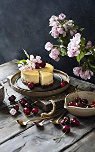 Обои для рабочего стола Цветущие деревья Вишня Чизкейк Доски На ветке Еда
