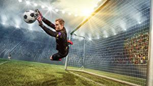 Фото Футбол Вратарь в футболе Мужчины Мяч Прыжок Спорт