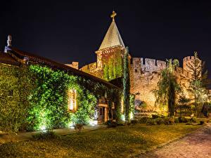 Картинки Крепость Сербия Ночные Лучи света Belgrade Fortress