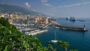 Картинка Франция Берег Пристань Круизный лайнер Яхта Лодки Дома Bastia, Corsica Города