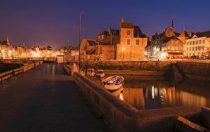 Картинки Франция Дома Мосты Пирсы Ночь Забором Уличные фонари Honfleur Города