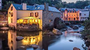 Фото Франция Дома Реки Вечер Камни Кафе Pont Aven город