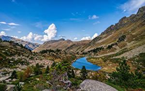 Картинка Франция Гора Камни Небо Пейзаж Скалы Деревьев Pyrenees, Aston Природа