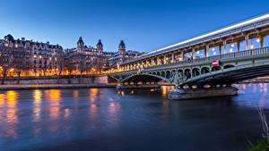 Картинки Франция Река Мосты Вечер Париже river Seine, bridge of bir-Hakeim город
