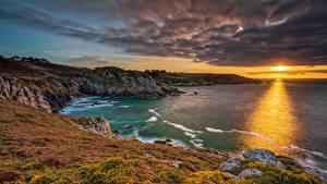 Фотография Франция Рассвет и закат Берег Залива Утес Облачно Brittany Природа