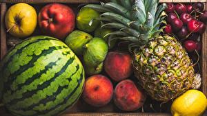 Картинки Фрукты Арбузы Ананасы Персики Вишня Яблоки Лимоны Продукты питания