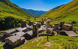 Обои Грузия Гора Здания Долина Ushguli village, Svaneti Природа