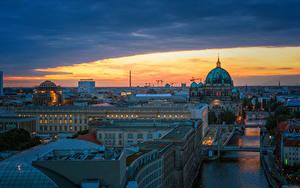 Обои Германия Берлин Здания Речка Мост Вечер