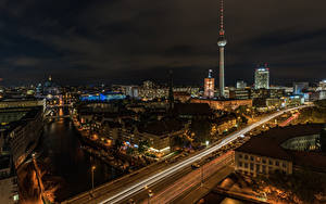 Картинка Германия Берлин Дома Речка Мосты Ночь Улиц Города