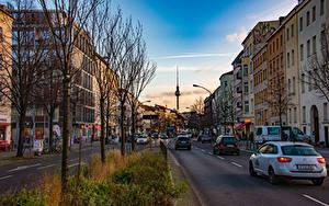 Картинка Германия Берлин Дома Улица Деревьев Башни Города