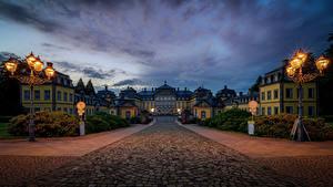 Обои для рабочего стола Германия Замки Ночные Уличные фонари Arolsen Castle, Bad Arolsen город
